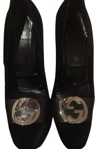 Gucci velevt pupms black Pumps