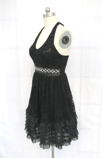 Black Floral Lace Polyester Rose Halter Feminine Bridesmaid/Mob Dress Size 12 (L)