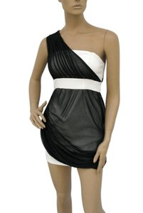 White Black Chiffon Polyester One Shoulder Overlay Short Sexy Bridesmaid/Mob Dress Size 12 (L)