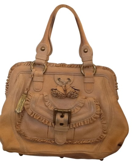 Preload https://item5.tradesy.com/images/lockheart-camel-leather-hobo-bag-5574034-0-0.jpg?width=440&height=440