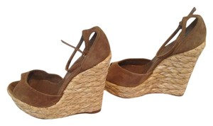 Gucci Suede Tan Tan Suede Wedges