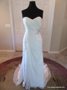Essense of Australia Off White / Silver Chiffon 5836 Casual Wedding Dress Size 8 (M)