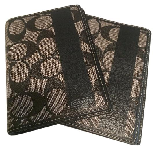 Preload https://item1.tradesy.com/images/coach-coach-passport-cover-5576590-0-0.jpg?width=440&height=440
