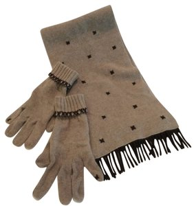 100% Cashmere scarf with matching gloves