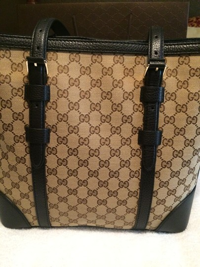 Gucci Tote in Brown Canvas w/Black Leather