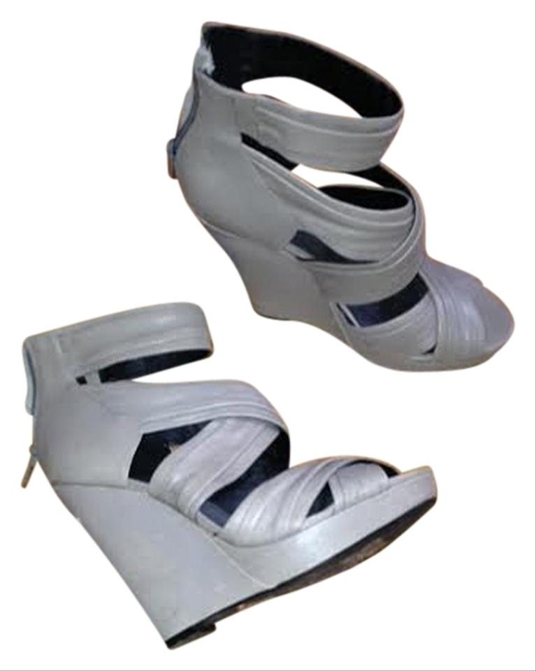 grey wedges trouve wedge sandal size 7 5 70 wedges