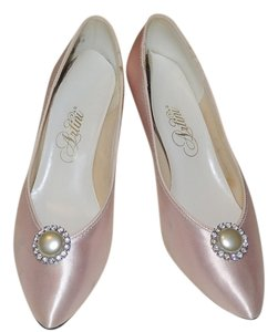 Artini Pearl Crystal Low Heel Pink Pumps
