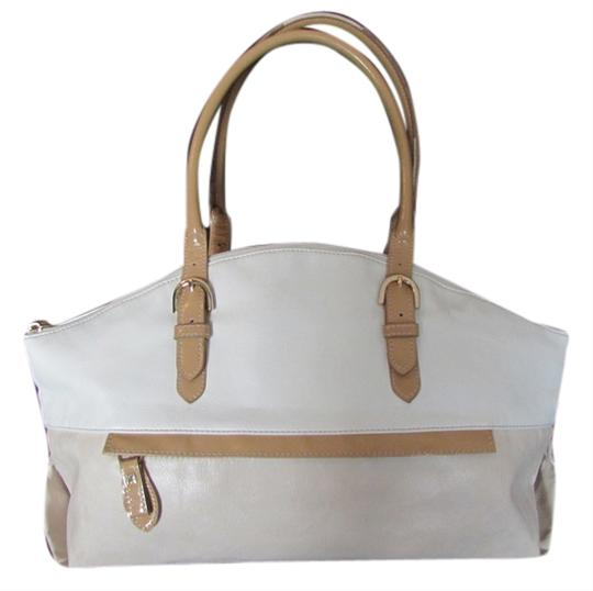 Preload https://item1.tradesy.com/images/liz-claiborne-casual-polyvinyl-two-tone-shoulder-bag-off-white-and-tan-5580490-0-0.jpg?width=440&height=440