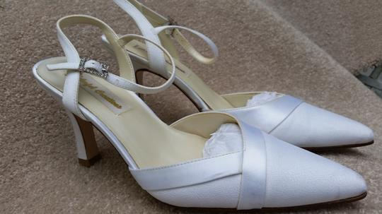 Colorful Creations Ivory Luxe/Satin Strap Formal Size US 8 Regular (M, B)