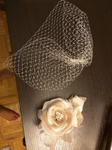 Cream Birdcage Small and Flowers Bridal Veil