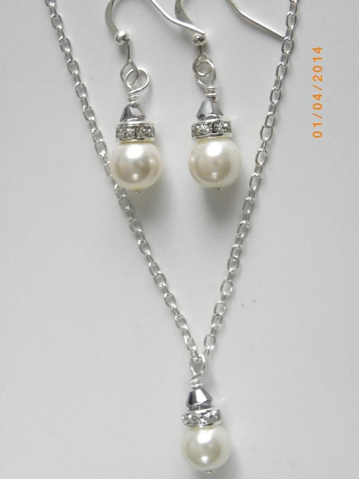 Used Wedding Dresses Under 100 Jewellery : Bridesmaid set necklace and earrings ivory pearl bridal