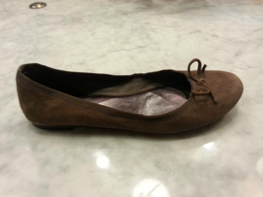 Saks Fifth Avenue Grey Brown Flats