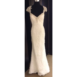 Maggie Sottero Ivory Lace Formal Wedding Dress Size 6 (S)