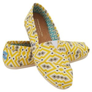TOMS Slip-on Limited Edition 10 Yellow Jonathan Adler Canvas Flats