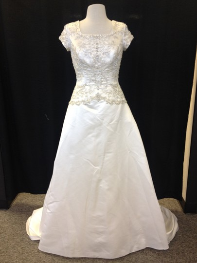 Casablanca Diamond White Satin 2152m Modest Wedding Dress Size 8 (M)