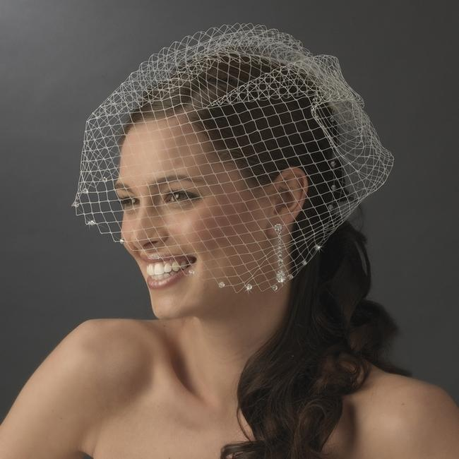 Item - White Birdcage New High Quality with Little Swarovsky Crystals Bridal Veil