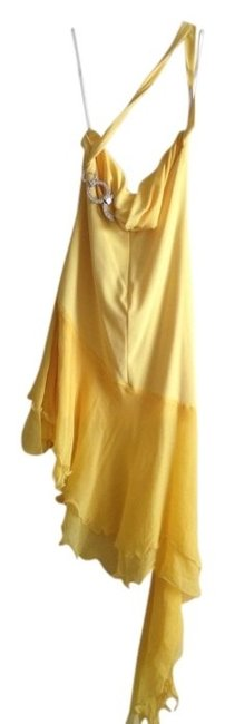 Preload https://item5.tradesy.com/images/cache-yellow-high-low-formal-dress-size-0-xs-558974-0-0.jpg?width=400&height=650