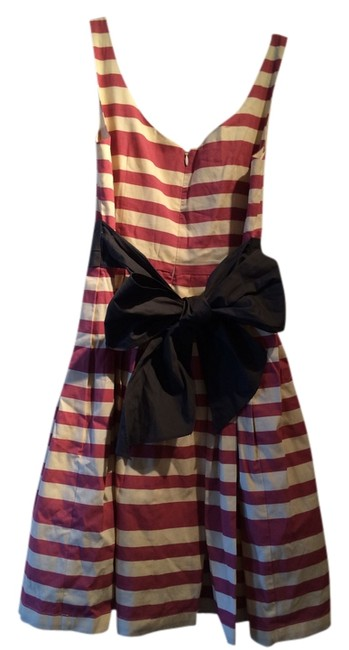 Item - Dark Pink and Beige Stripes; Grey/Purple Sash and Bow Knee Length Short Casual Dress Size 2 (XS)