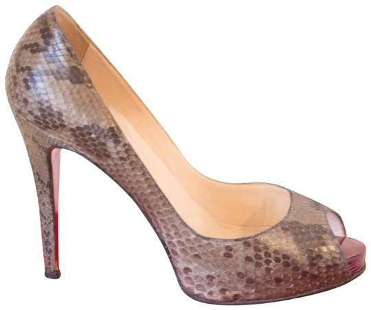 Preload https://item1.tradesy.com/images/christian-louboutin-grey-very-prive-snakeskin-pumps-size-eu-395-approx-us-95-regular-m-b-559880-0-3.jpg?width=440&height=440