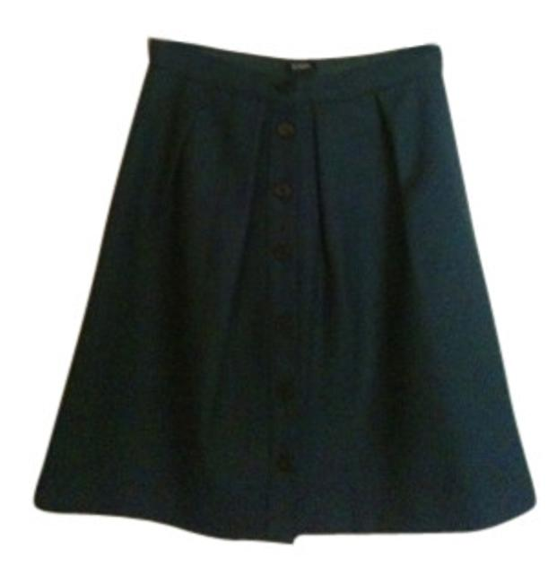 Preload https://item3.tradesy.com/images/jcrew-forest-green-flair-in-double-serge-wool-knee-length-skirt-size-0-xs-25-5607-0-0.jpg?width=400&height=650