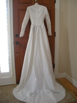 1981 Wedding Gown Wedding Dress Tradesy Weddings