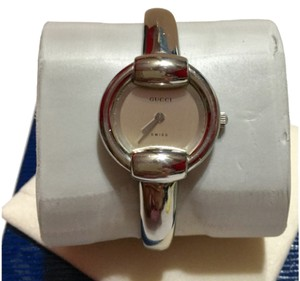 Gucci GUCCI - SILVER / Stainless Steel Bangle Watch - Model 1400L - PETITE Size