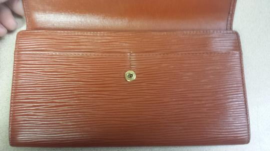 Louis Vuitton Loui Vuitton Sienna Epi Leather Wallet