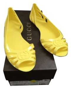 Gucci Yello Flats