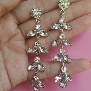 Zircon Cz Diamond Flower Stud Crystal Tear Swarovski Cluster Earring Bride Bridesmaid Water Drop Fall Clear Transparent