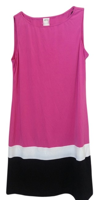 Item - Pink White and Black Above Knee Short Casual Dress Size 8 (M)