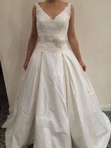 Paloma Blanca 4400 Wedding Dress