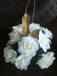 Silk Ivory Roses With Gold Accent Centerpieces