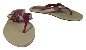 Burberry House Nova Check Flip-flops Logo Sandals