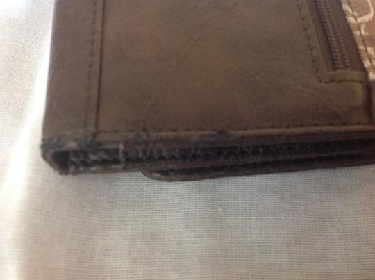 Guess Guess Brown Signature Wallet