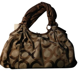 Coach Satchel in Brown/Khaki