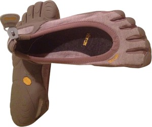 Vibram tan Athletic