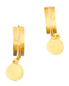 GOLD HAMMERED BAR POST AND DISC EARRINGS