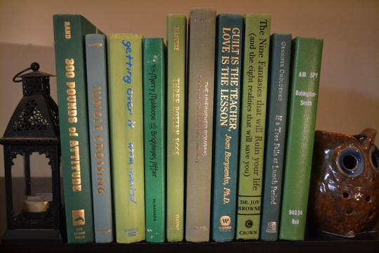 Green Vintage Style Books - 52 - Set Of 10 Centerpiece