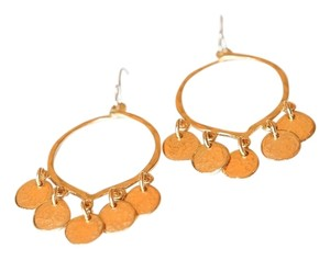 GOLD HAMMERED HOOP EARRINGS WITH HANGING DISC