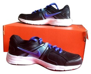 Nike Black & silver Athletic
