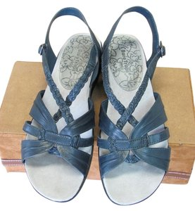Bear Traps Good Condition Leather Navy Sandals