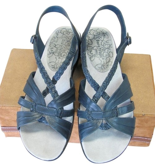 Preload https://item2.tradesy.com/images/navy-good-condition-leather-width-sandals-size-us-95-wide-c-d-5628181-0-0.jpg?width=440&height=440