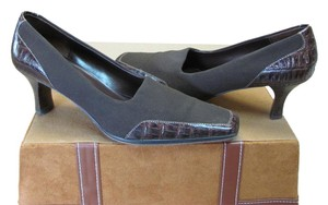 Joan & David Good Condition Size 7.00 M Brown Pumps