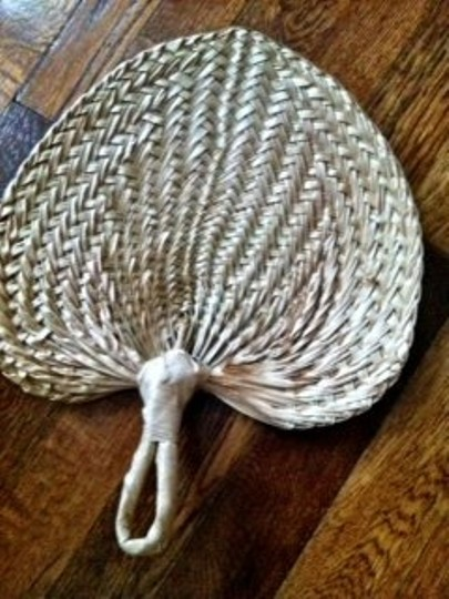 Preload https://img-static.tradesy.com/item/56285/other-straw-heart-shaped-hand-fans-reception-decoration-0-0-540-540.jpg