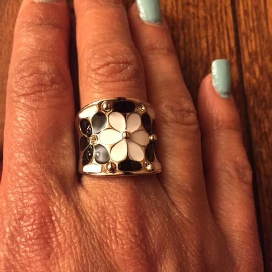 Other Silver Black & White Flower Ring