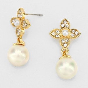 Cream Gold Clear Crystal Elegantly Chic Cz and Pearl Drop Evening Earrings