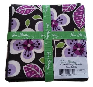 Vera. Bradley Plum Petals Napkins (4) Vera Bradley Plum Petals Cocktail Party Napkins (4)