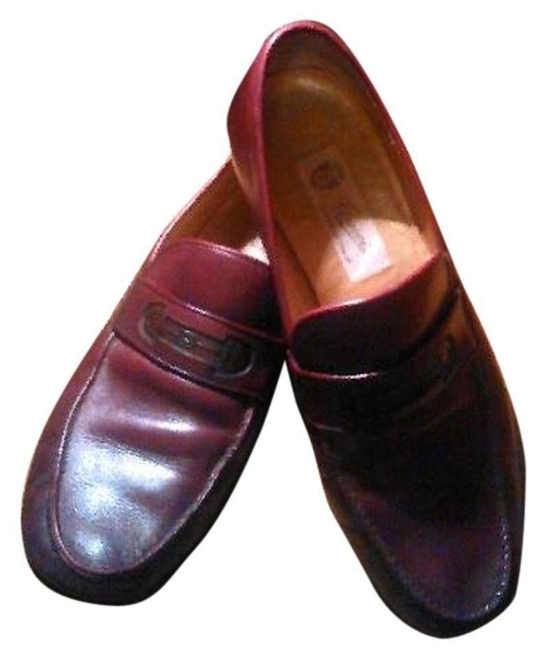 523db9806dad Gucci Burgundy Men s Leather Vintage Slip On Loafers Flats. Size  US 8.5 ...