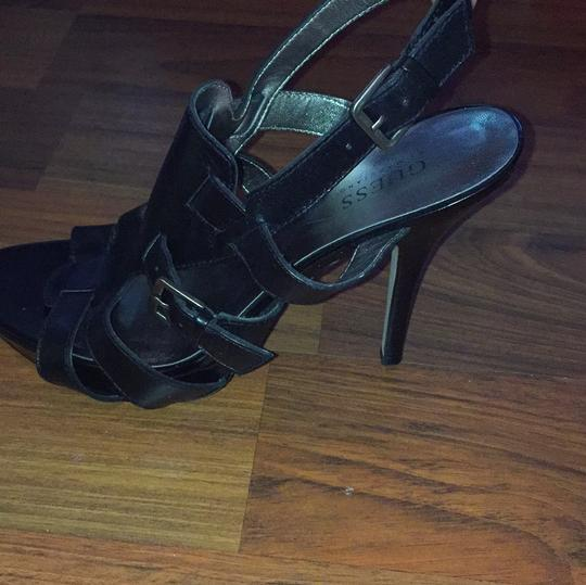 Guess By Marciano Blac Pumps
