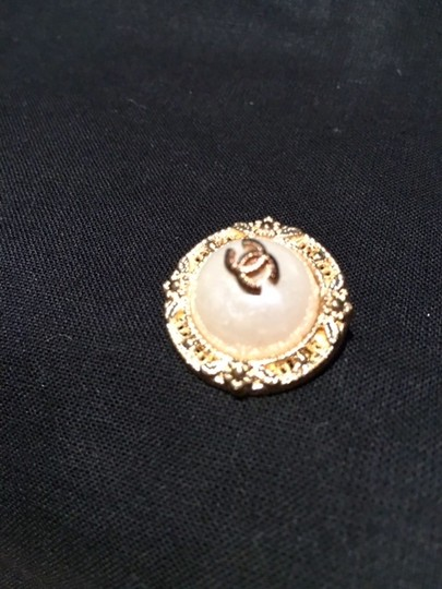 Set of 5 logo Chanel Buttons Chanel Faux Pearl CC Gold tone buttons